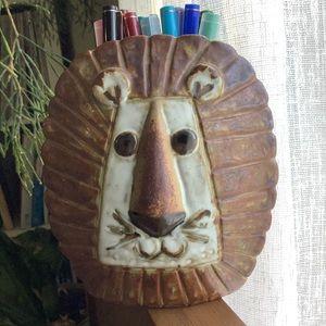 MCM Speckled Pottery Lion Leo Vase